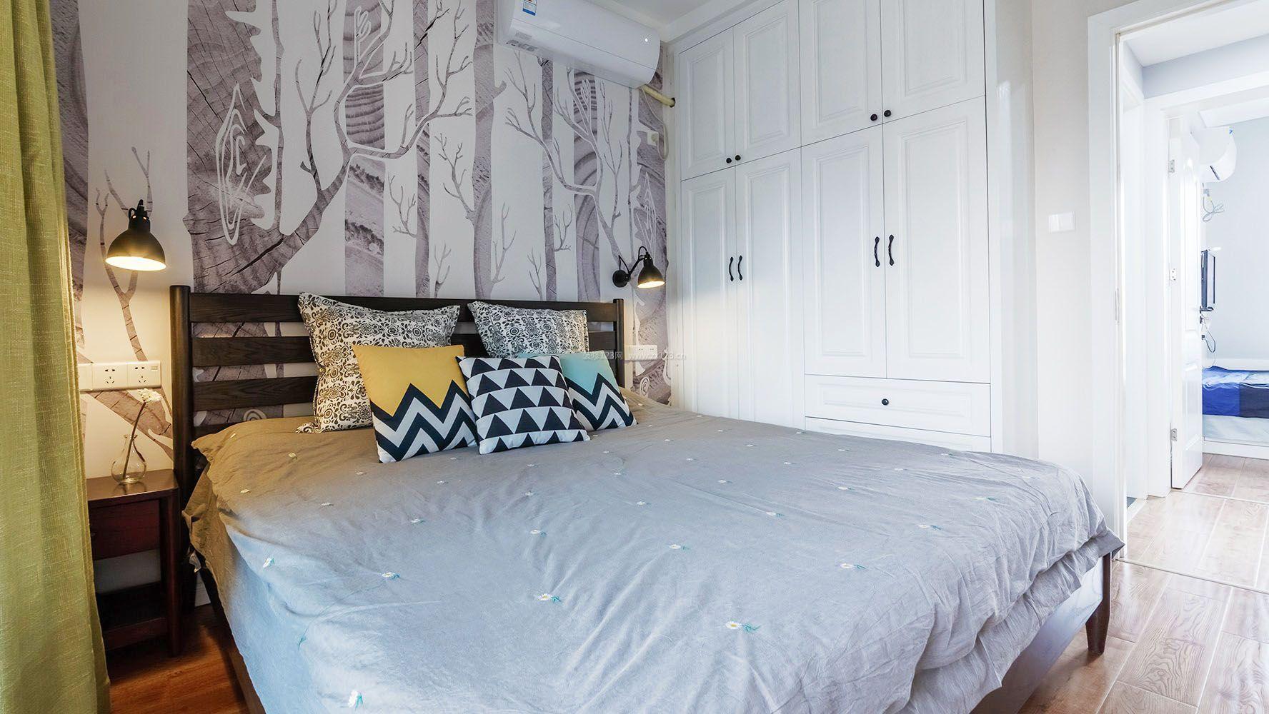 简单卧室床头手绘背景墙图片_装修123效果图