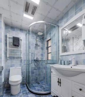2017简约家庭卫生间装修图片 2017玻璃淋浴房设计