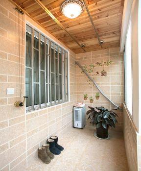 小户型客厅阳台伸缩晾衣架装修效果图片大全2017图片-小户型简装装