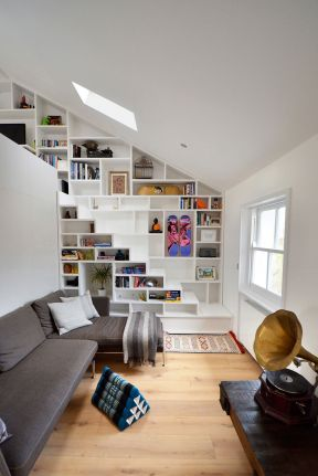 小空间阁楼楼梯设计 创意小户型装修效果图