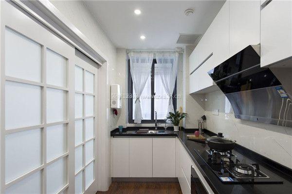 长方形厨房装修推拉门设计效果图