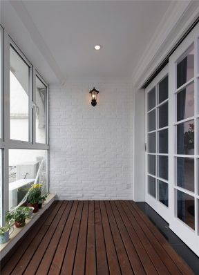 70平方小户型阳台装修图