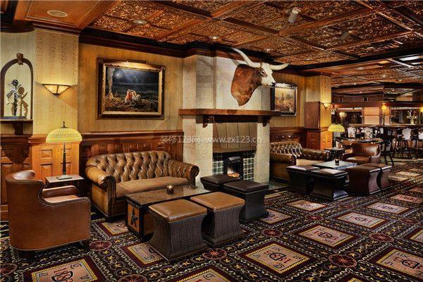 复古酒吧室内吊顶装修设计效果图