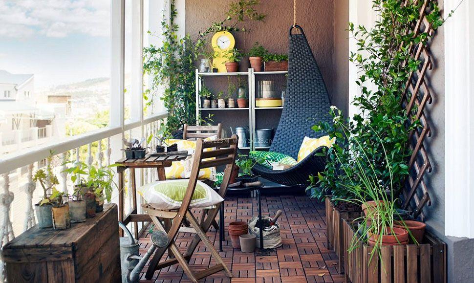 高层阳台花园仿木纹地砖装修效果图