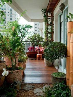 高层家庭室内阳台花园装修效果图片2017