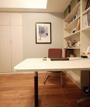 小卧室转角电脑桌书柜衣柜组合-装修123网效果图大全