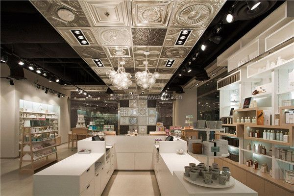 佛山饰品店装修风格 为您推荐不错的饰品店风格     格子铺形式的装修图片