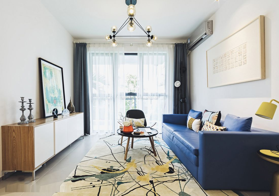 2017小户型客厅灰色窗帘装修效果图片欣赏