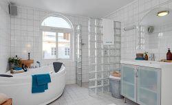 時尚現代家裝衛生間玻璃隔斷圖片