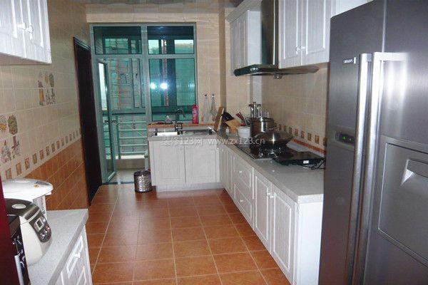 厨房带阳台怎么装修 厨房带阳台装修技巧_厨房设计