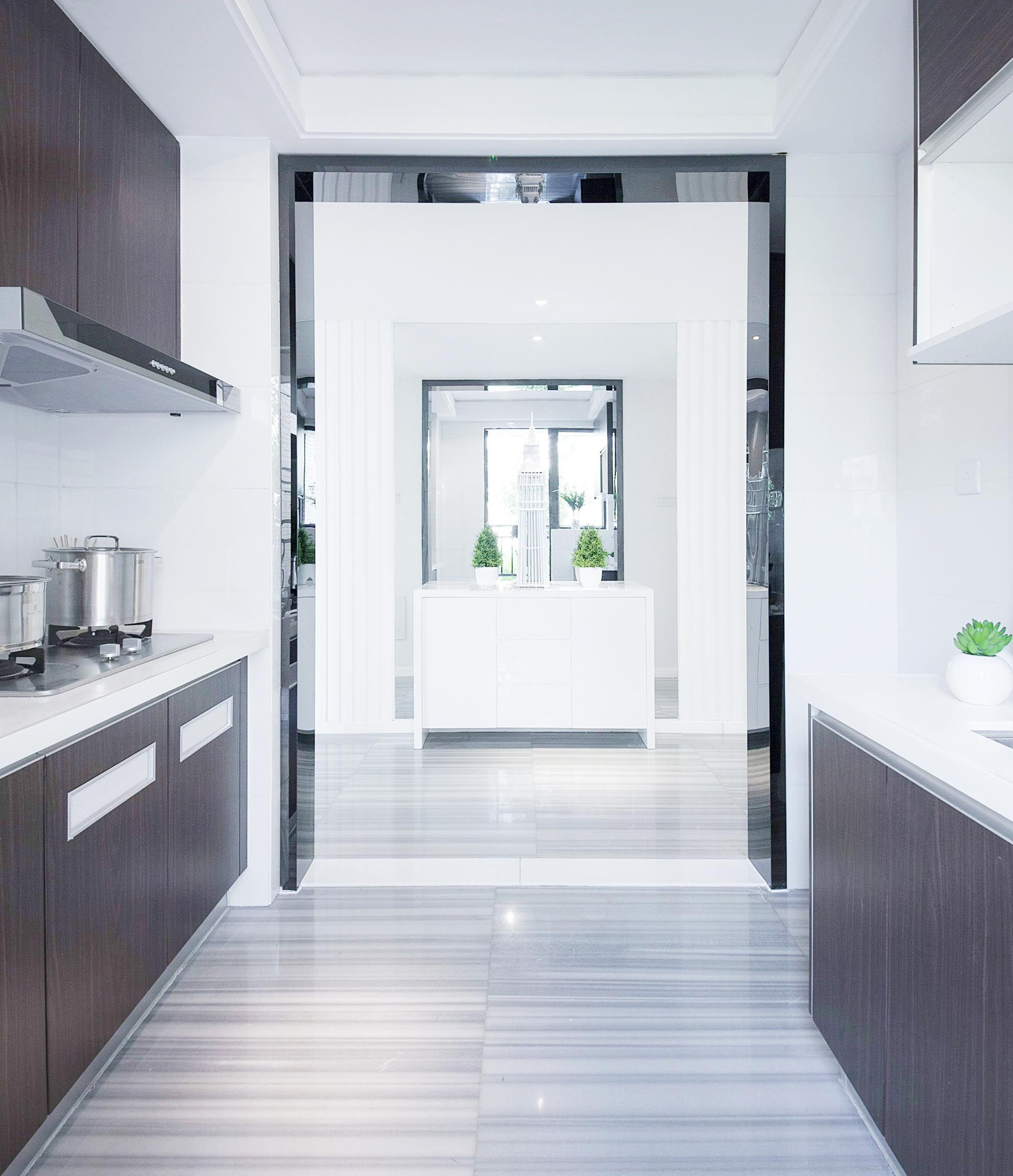 110平米简约u型厨房装修效果图片