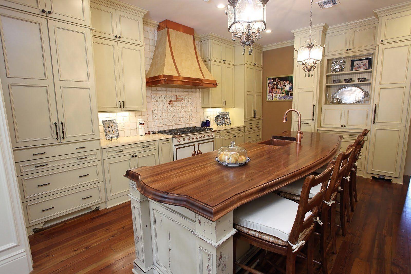 开放式厨房中岛装修风格效果图