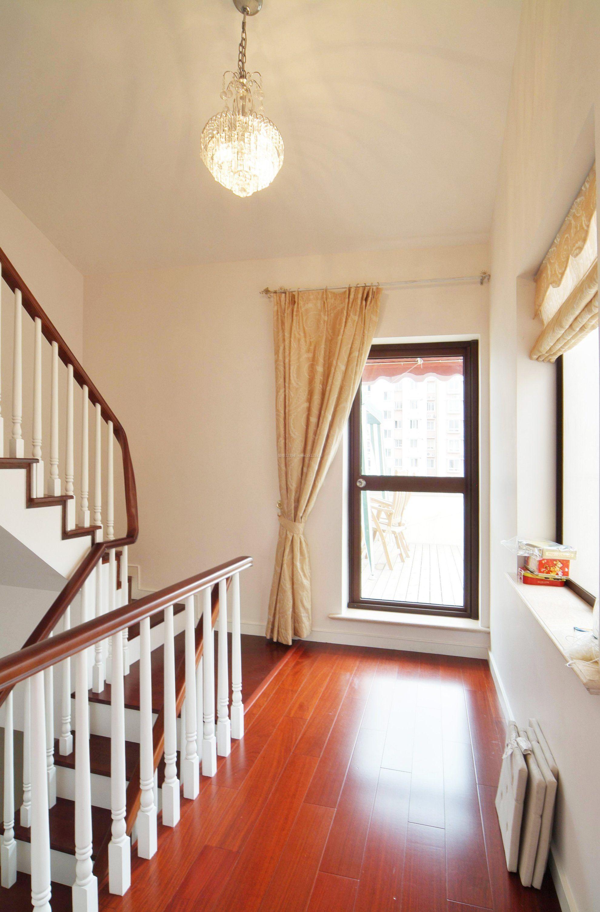 复式楼二楼楼梯栏杆图片图片