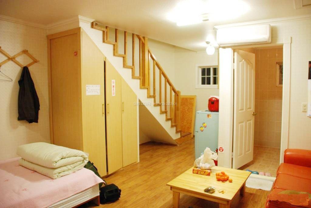 一居室小户型楼梯间设计图片