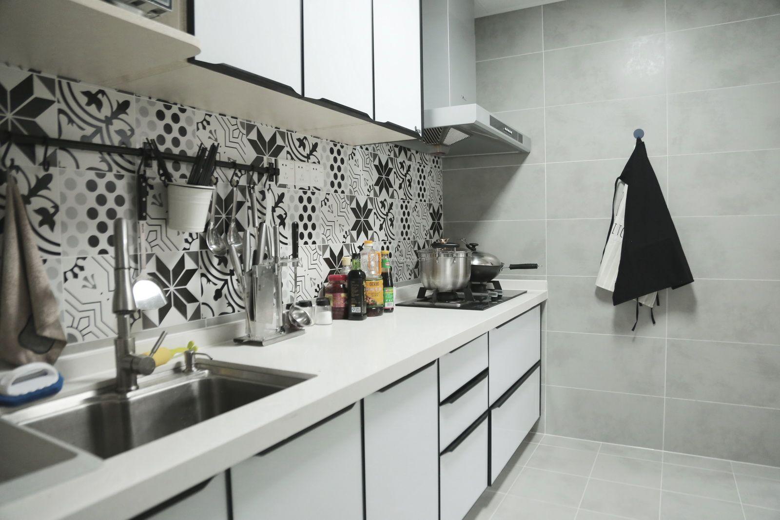 2017北欧厨房挂件安装装修效果图