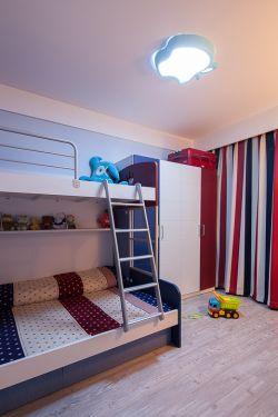 小户型儿童房高低床设计图