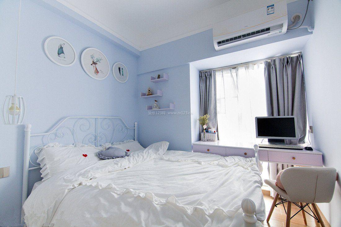 女生房间蓝色壁纸设计实景图