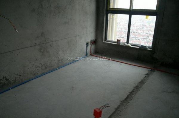 房屋电路装修进行时