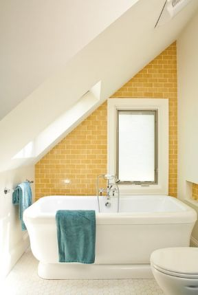 小阁楼超小浴室装修效果图