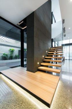 2017现代跃层别墅室内楼梯设计装修图大全