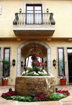 家庭小陽臺花架裝飾設計圖片