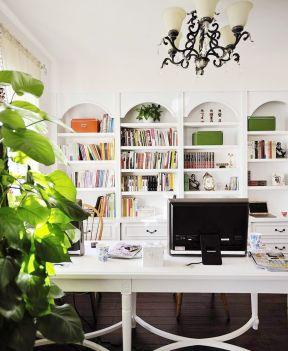 简约欧式书柜书桌装修效果图赏析-简约欧式风格装修效果图