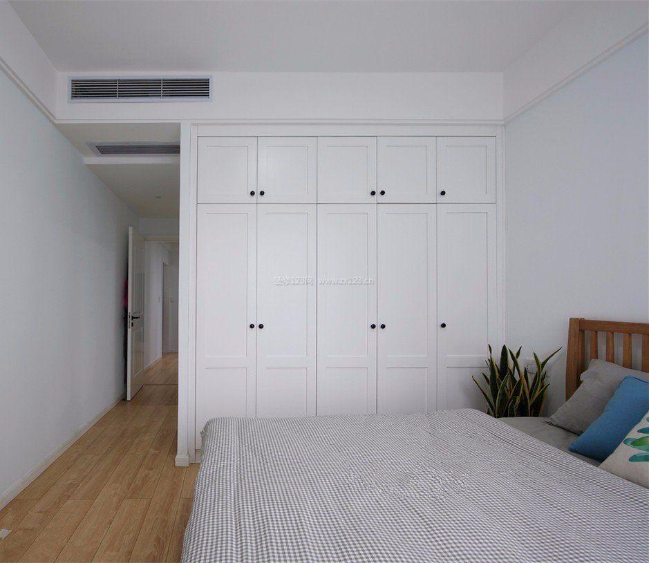 极简风格卧室索菲亚衣柜门图片