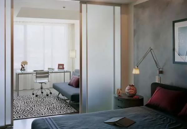 卧室与阳台一体如何装修?