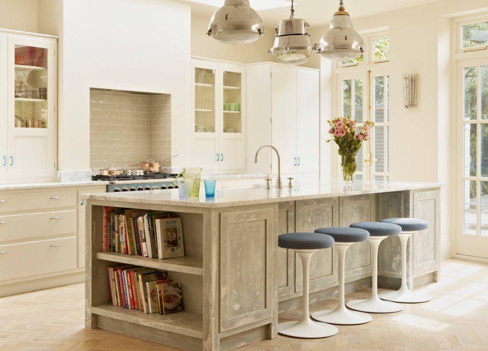 厨房中岛带吧台简单装修效果图