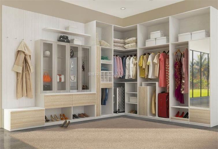 卧室里的步入式转角衣柜图_装修123效果图图片