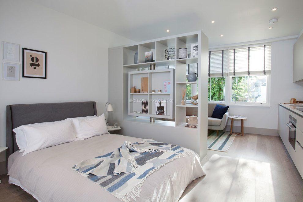 时尚客厅与卧室之间隔断柜创意装修效果图