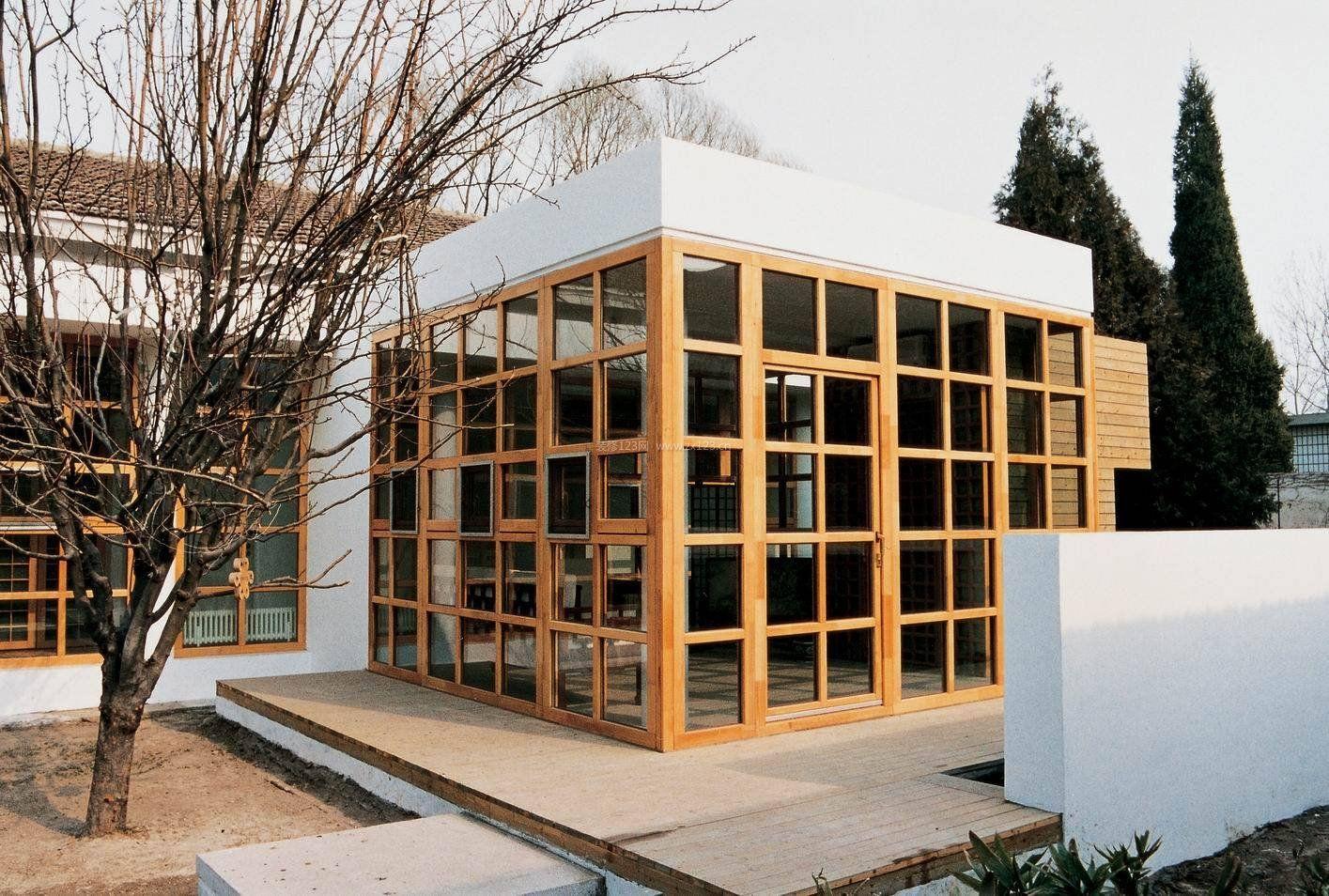 2017木制别墅外观玻璃设计装修效果图片
