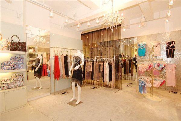 广州女装小店面装修设计 打造吸引顾客的服装店面