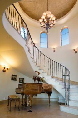2017简约家庭旋转楼梯设计图片大全
