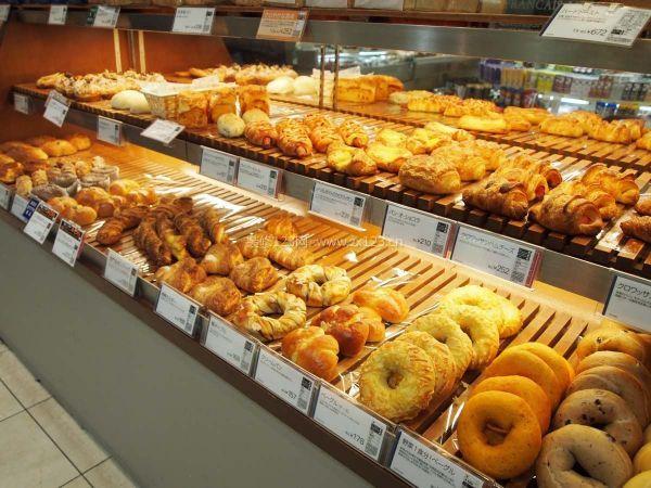 小型面包店超市装修效果图