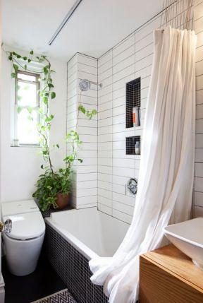 2020浴室浴缸布艺浴帘装修图片