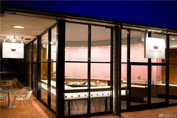 蛋糕店装修玻璃墙面设置效果图