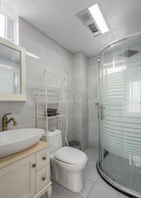 2020美式装修玻璃浴室效果图