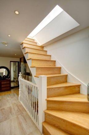 室内阁楼楼梯装修图片