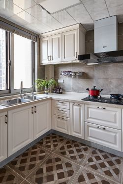 2018年法式廚房地磚裝飾設計圖