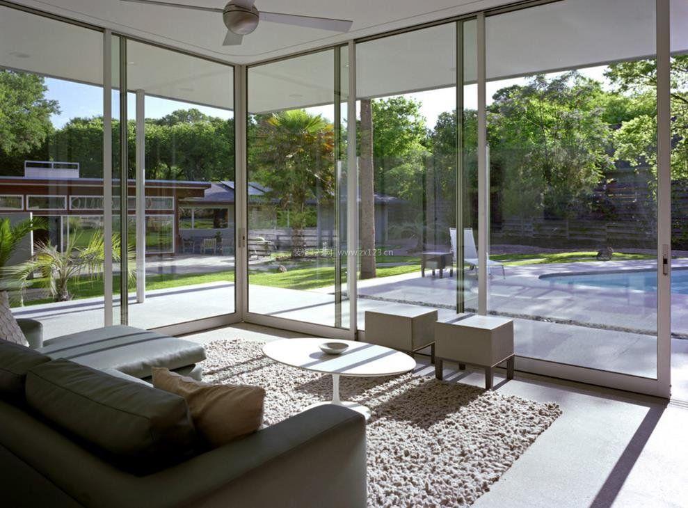 现代简约风格别墅阳台阳光房设计图