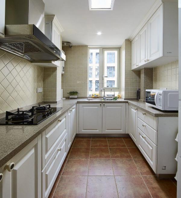 正方形厨房怎么装修?