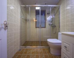 2017簡歐衛生間淋浴房玻璃隔斷裝修設計效果圖