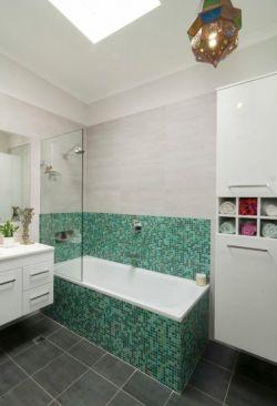 现代别墅卫生间地板砖图片