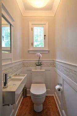 紧凑型卫生间彩绘墙面设计