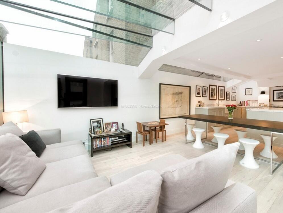 2018家庭客厅玻璃房顶图片_装修123效果图