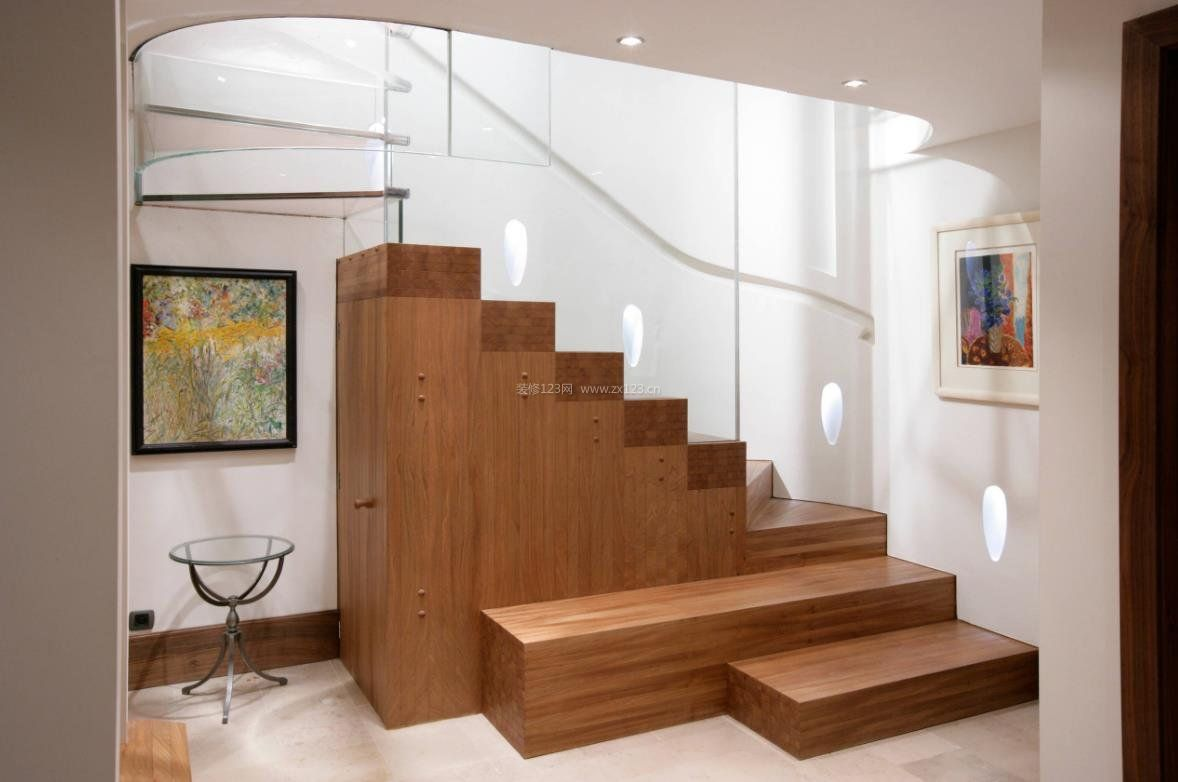 2018木结构楼梯设计效果图赏析图片
