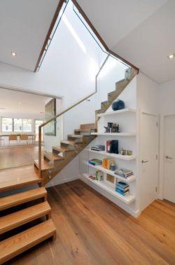 2018奢华别墅室内木结构楼梯设计