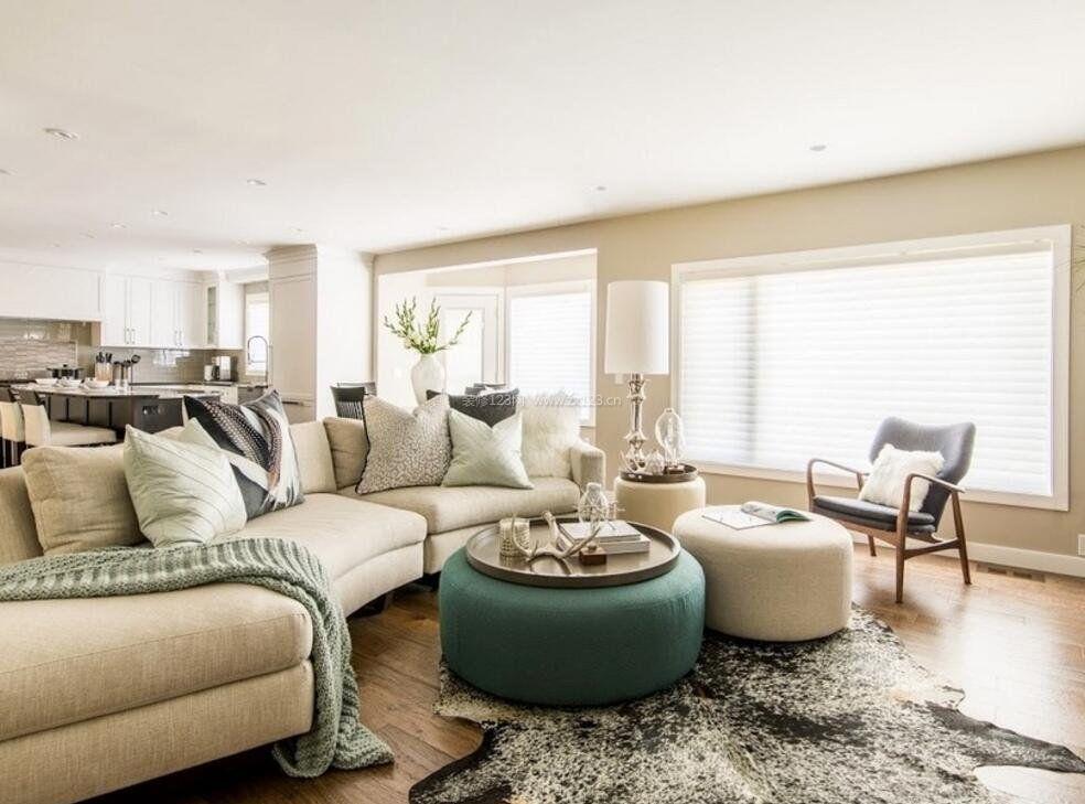 家装效果图 美式 美式房屋客厅半圆形沙发装饰装修图图片