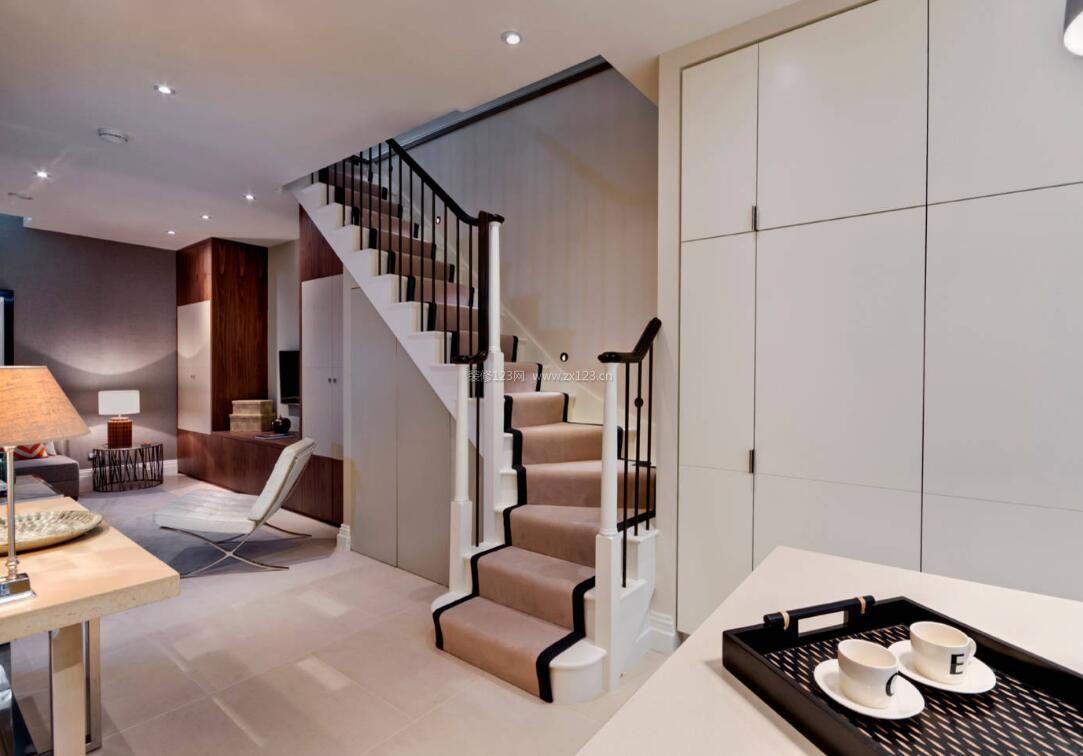 地下室楼梯地毯装饰装修效果图